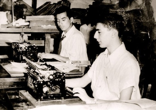 Mario Vargas Llosa, en la redacción de 'La Crónica'.