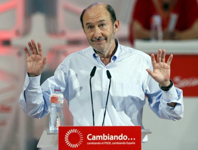 El socialista Alfredo Pérez Rubalcaba, en el Congreso Extraordinario...