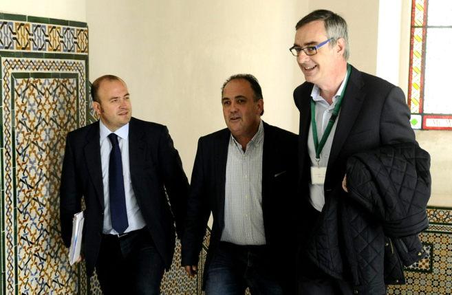 Los tres representantes de Ciudadanos, en la reunión: Julio Díaz,...
