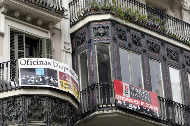Imagen de archivo de una fachada de un edificio de Barcelona con...