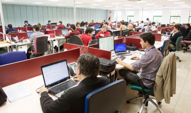 Una parte del equipo del centro de excelencia de Tecnocom, en A...