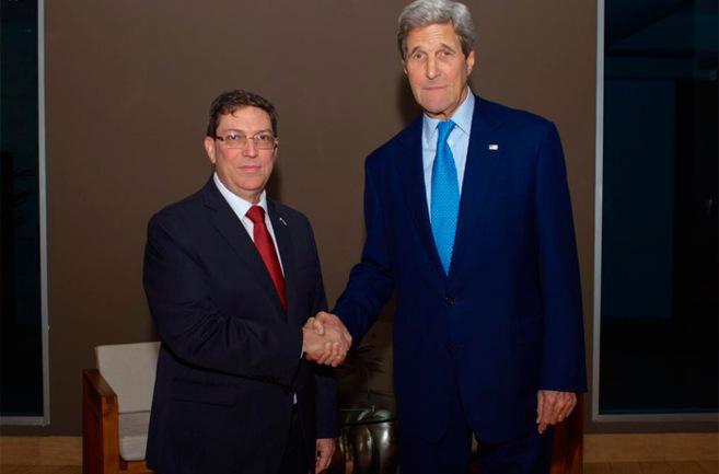 El canciller cubano, Bruno Rodríguez, y el secretario de Estado de...