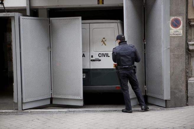 Los detenidos llegan a la Audiencia Nacional.