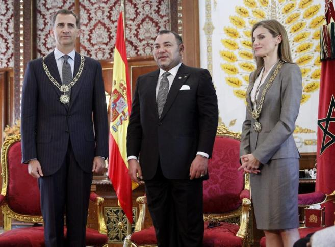 Los Reyes de España, con Mohamed VI en el Palacio Real de Rabat, en...