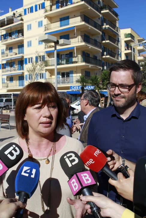 La candidata socialista a la presidencia del Govern, Francina...