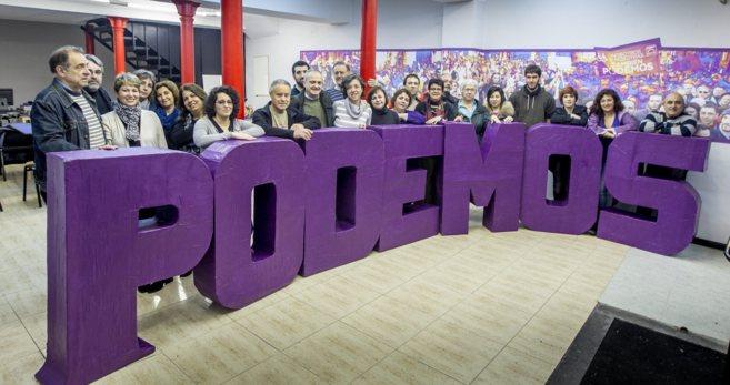 Los miembros del Consejo Ciudadano de Podemos antes la reunión...