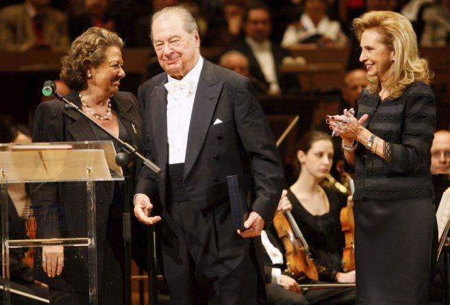 Rita Barberá, junto al maestro Rafael Frühbeck y Mayrén Beneyto en...