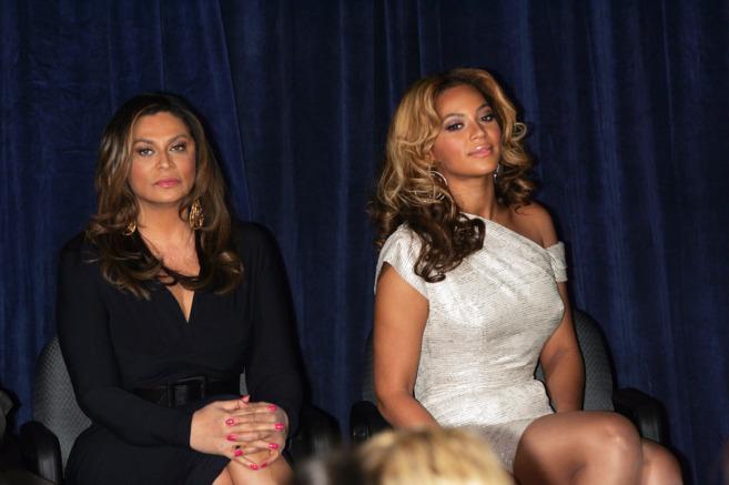 Tina Knowles con su hija Beyoncé, en una imagen de archivo.