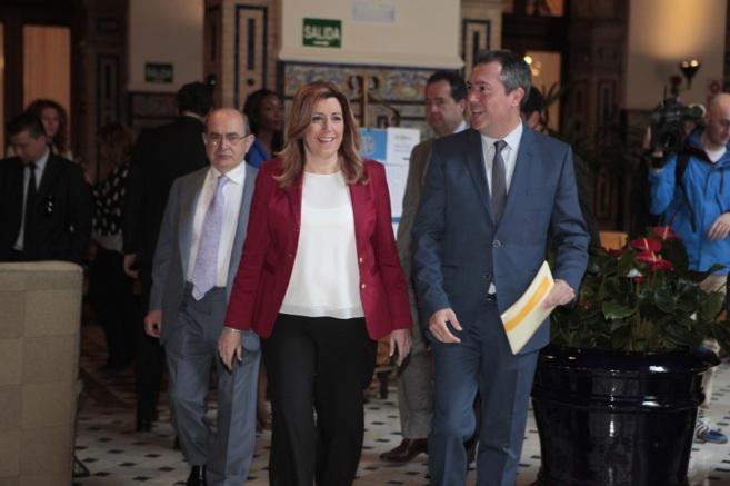 Susana Díaz junto al candidato del PSOE a la alcaldía de Sevilla...