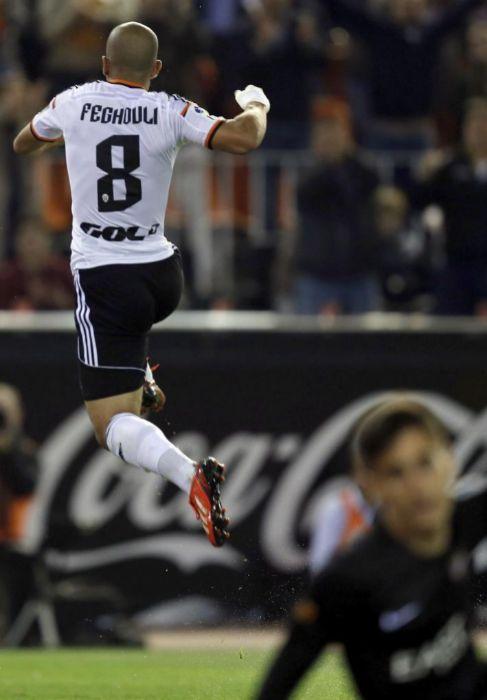 Feghouli celebra el 2-0 en Mestalla ante Mariño.