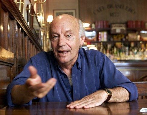 Eduardo Galeano, en el Café Brasileiro.