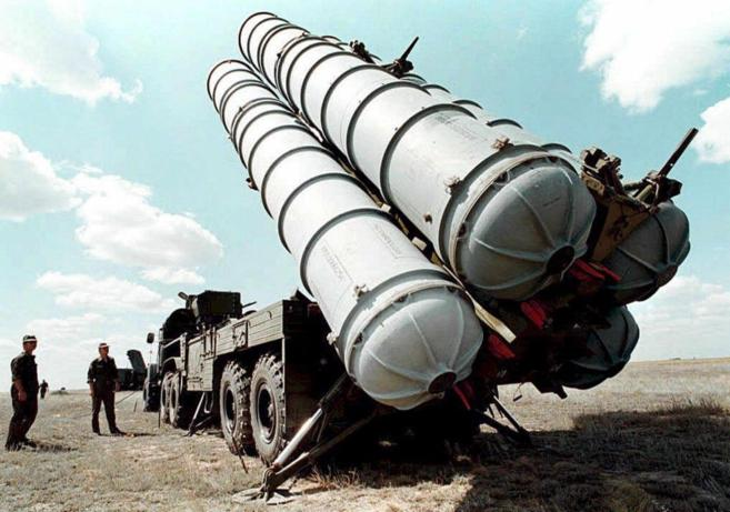 Fotografía de archivo tomada em 1996 que muestra misiles antiaéreos...