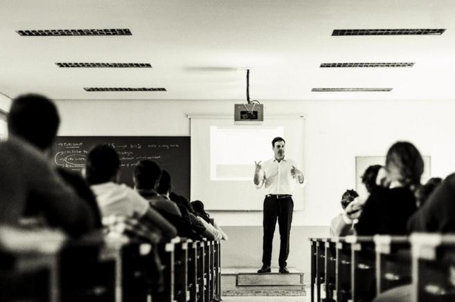 Pedro Sánchez, el pasado lunes, durante la clase que impartió en la...