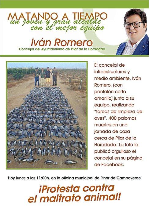 Panfleto difundido contra el maltrato animal, con la foto colgada por...