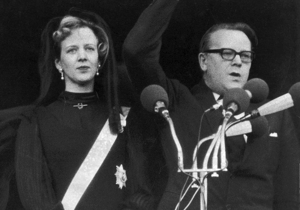 El día después del fallecimiento del rey Federico IX, Margarita fue...