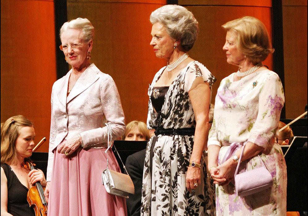 : La reina Margarita volvió a coincidir con sus dos hermanas,...