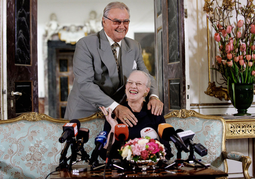 En 2010, la reina Margarita fue sorprendida durante una rueda de...