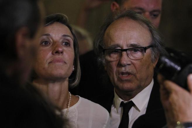 """Serrat, en las honras fúnebres de """"su amigo personal""""..."""