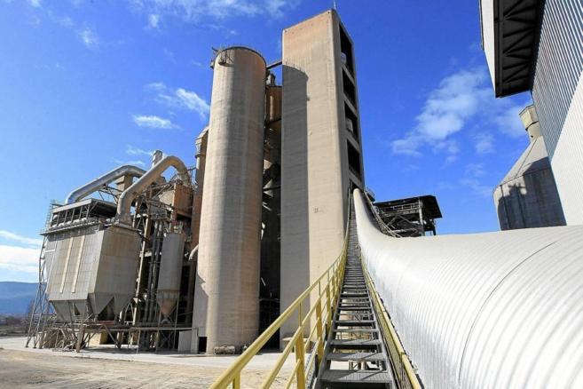 Fábrica de cementos en León