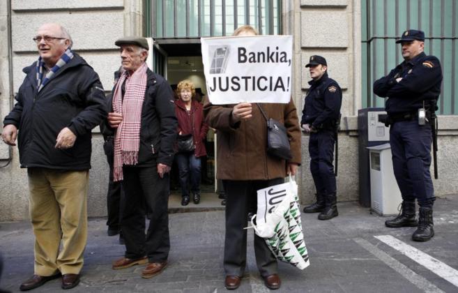 Una protesta en Madrid de afectados por Bankia.
