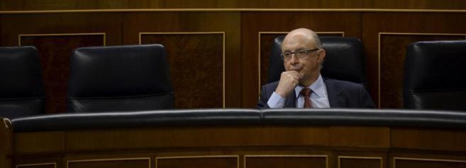 Cristóbal Montoro, en su escaño del Congreso de los Diputados.