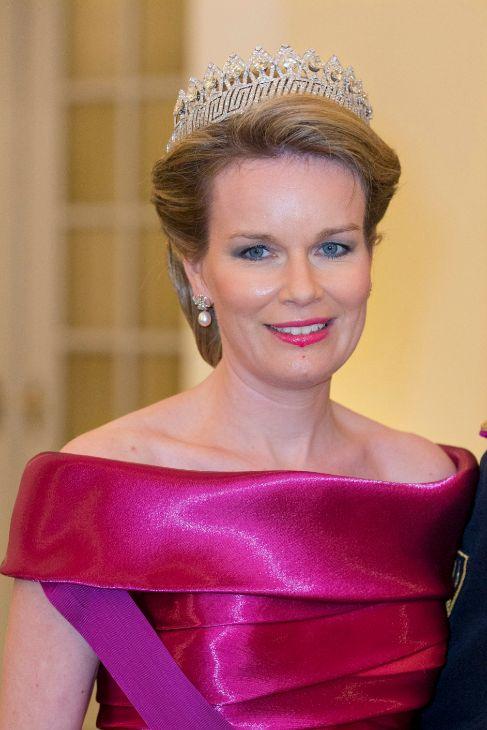 La tiara del imperio belga es la que escogió la Reina Matilde de...