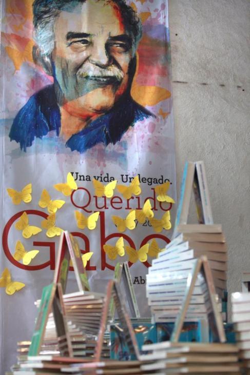 Una exposición en honor a Gabriel García Márquez en una librería...