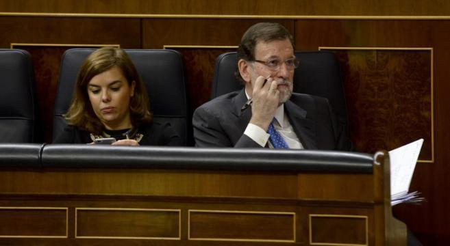 Mariano Rajoy y Soraya Sáenz de Santamaría, el pasado miércoles en...