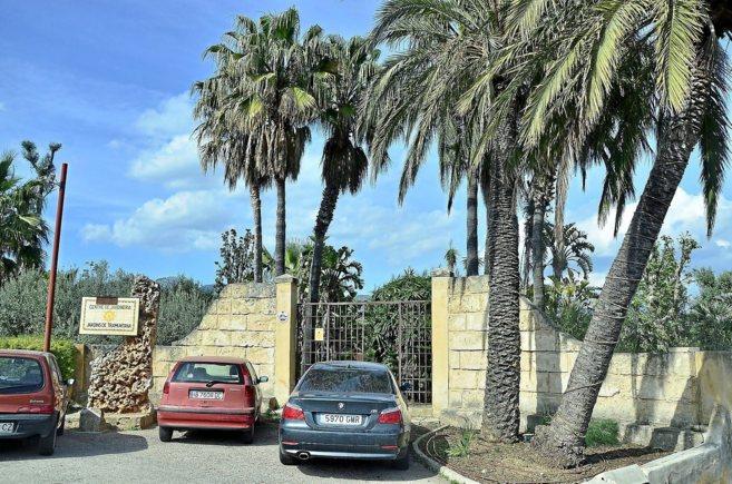 Imagen de la entrada de las instalaciones de Jardins de Tramuntana, en...