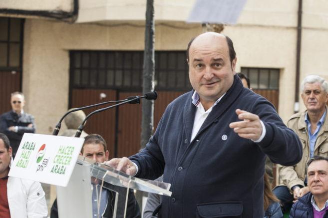 Andoni Ortuzar, presidente del PNV, hoy en Lapuebla de Labarca,