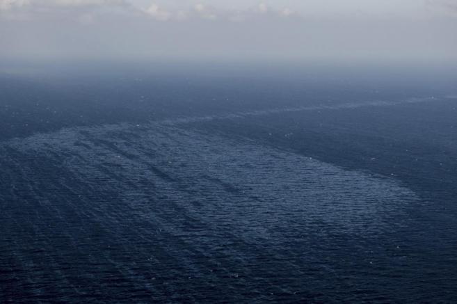Fotografía facilitada  por Greenpeace, que ha sobrevolado la zona del...