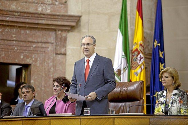 Juan Pablo Durán da su discurso ante el Parlamento tras su...