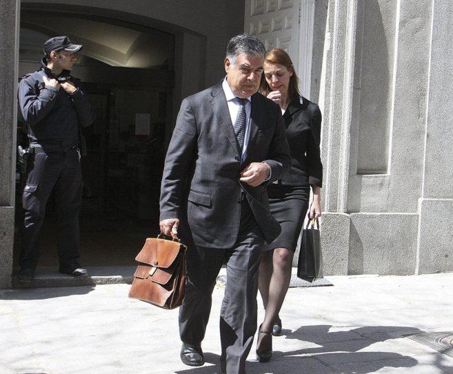 José Antonio Viera, tras salir de declarar en el Tribunal Supremo.