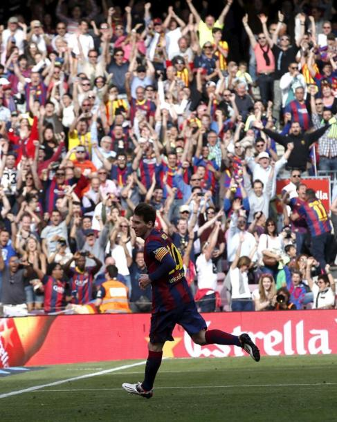 Messi celebra su tanto ante el Valencia.