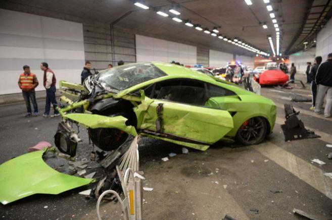 Estado en que quedó el Lamborghini siniestrado en Pekín.