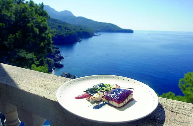 Imagen de un plato del restaurante Béns d'Avall y de las vistas...