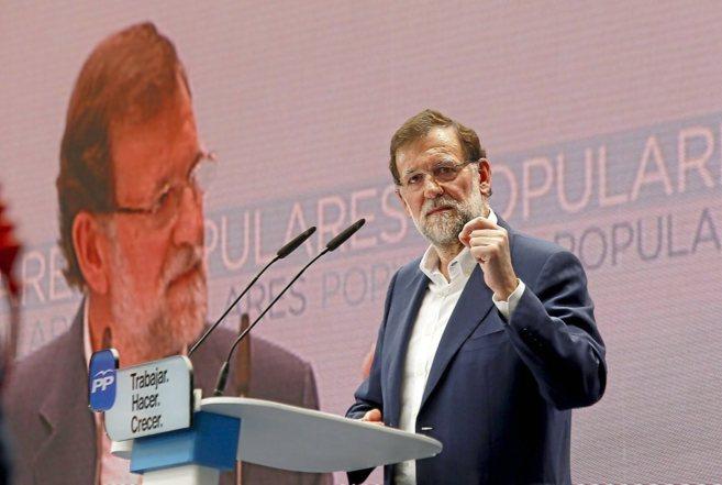 El presidente del Gobierno, Mariano Rajoy, ayer, en su intervención...