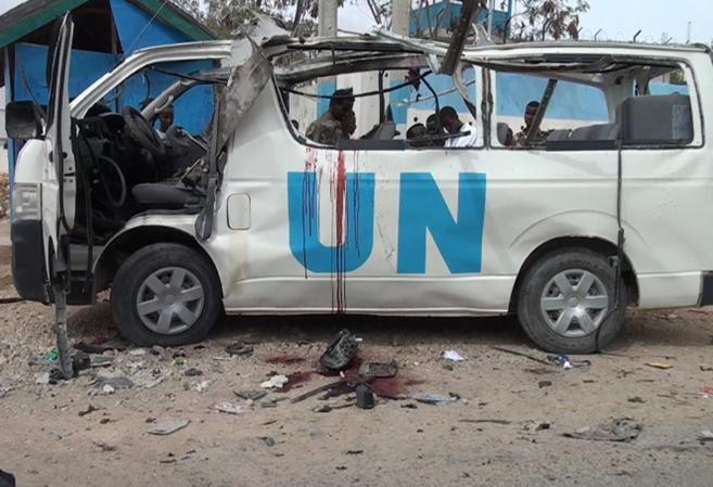 El autobús atacado por Al Shabab en la localidad somalí de Garowe.