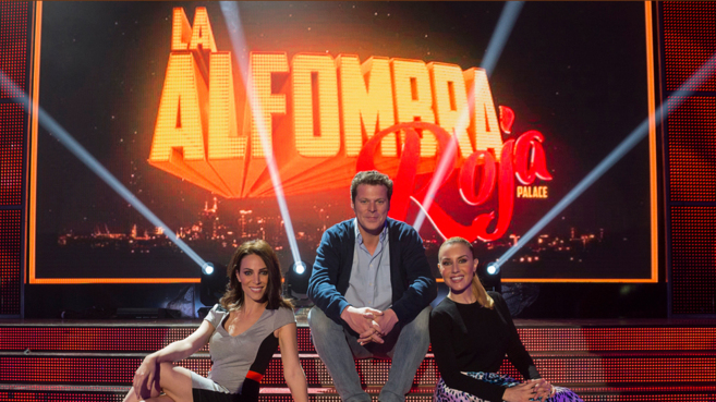 Nerea Garmendia, Jota Abril y Berta Collado, en 'La alfombra...