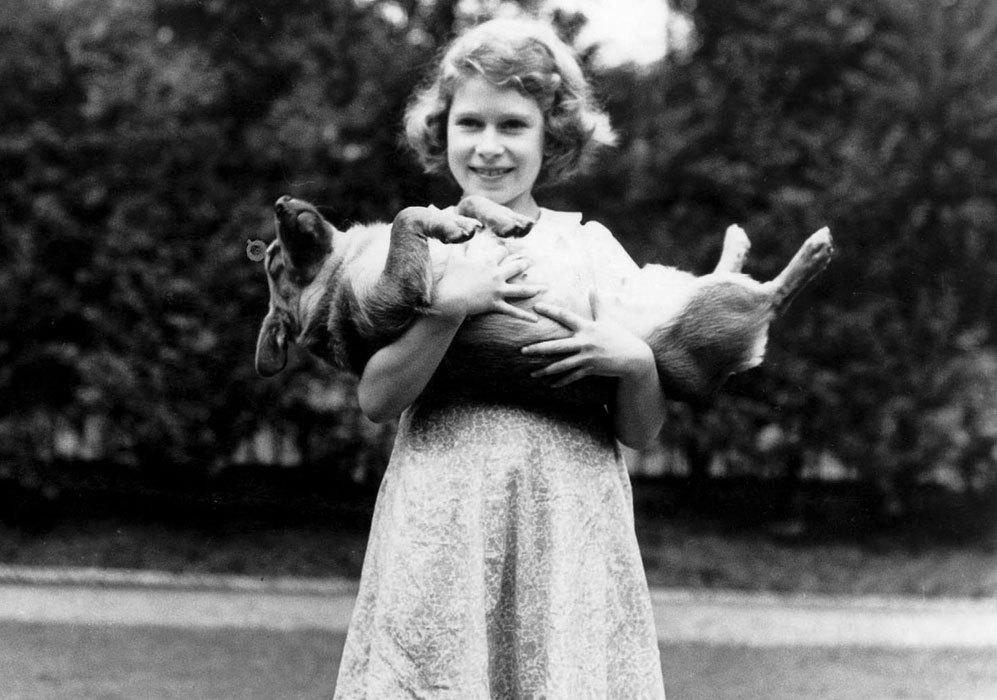 Isabel nació el 21 de abril de 1926 en Londres. Es la primera hija...