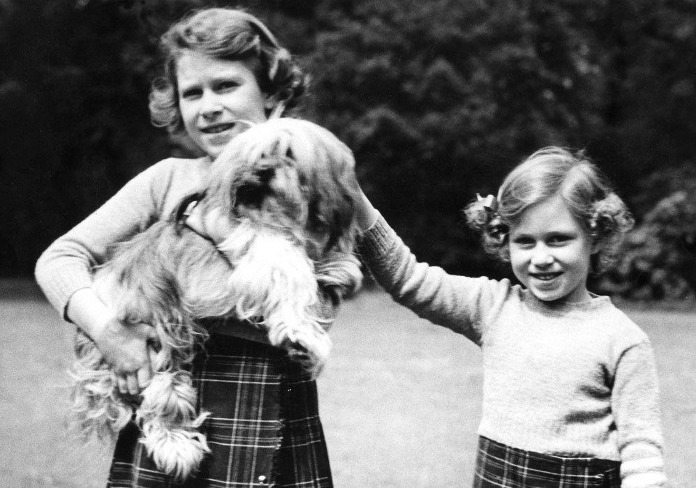 Tuvo una hermana más pequeña llamada Margarita, que nació en 1930 y...
