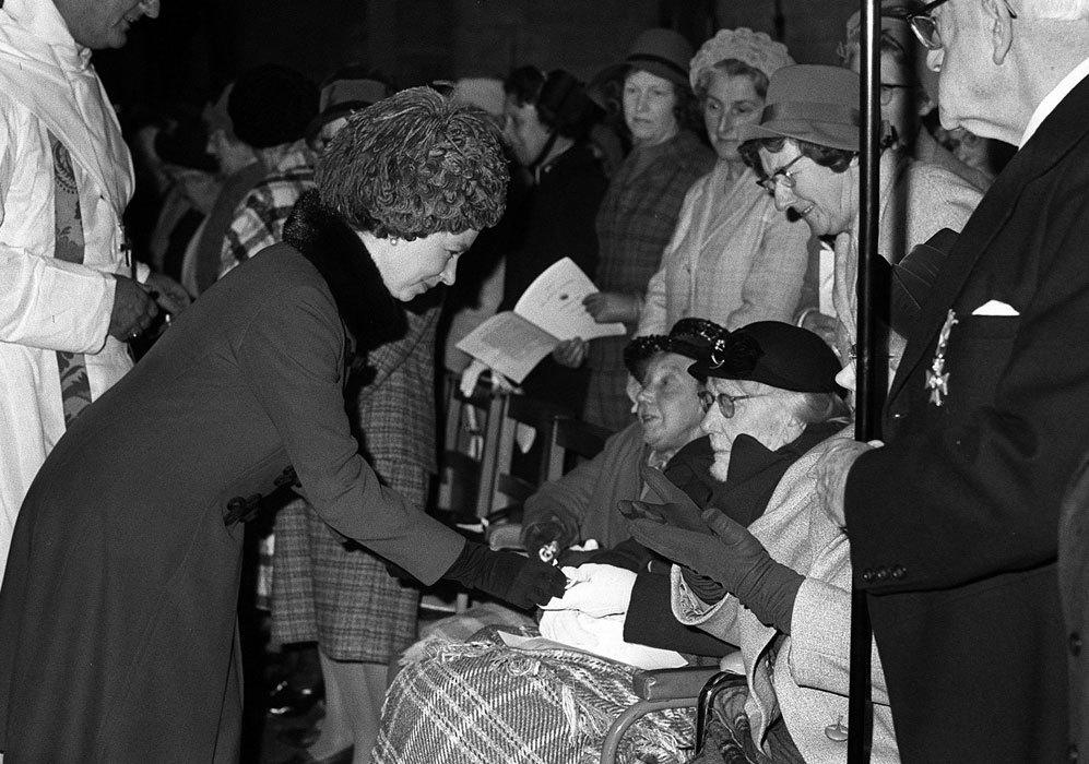 En el otoño de 1954, la soberana británica realizó la gira por la...