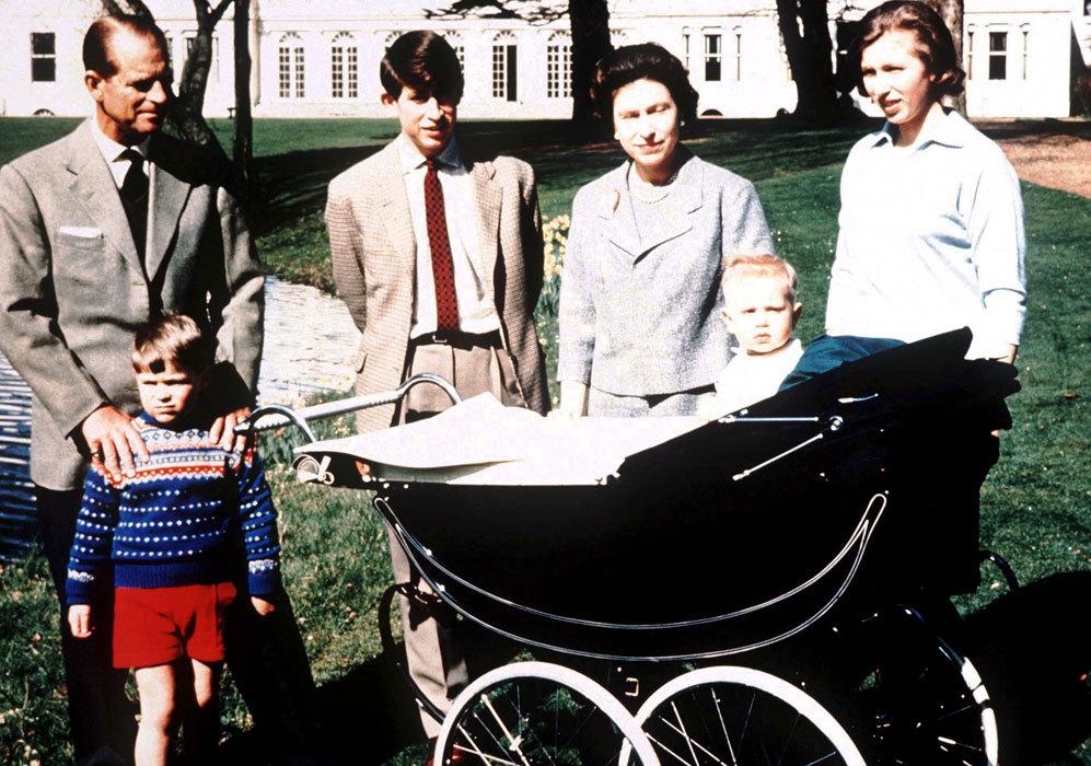 El 10 de marzo de 1964, la reina Isabel II y el príncipe Felipe...