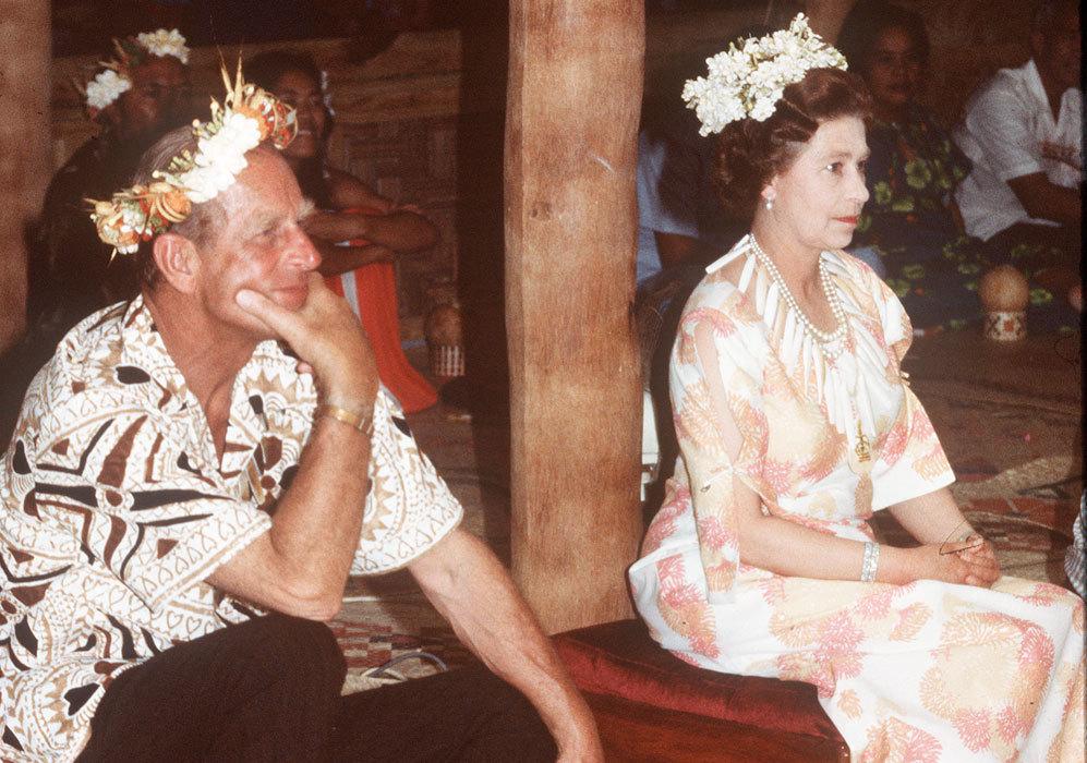 Durante aquella visita a Sudáfrica, la reina y su marido vistieron...