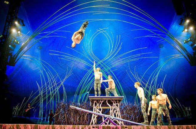 Un momento del espectáculo 'Amaluna' del Circo del Sol