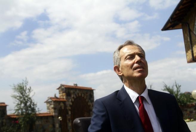 El ex primer ministro británico, Tony Blairn durante una entrevista...