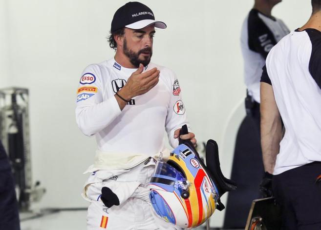 Fernando Alonso, durante los entrenamientos del GP de Bahrein.