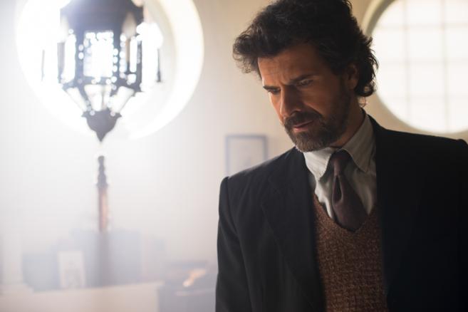 El actor Rodolfo Sancho, en la serie 'El ministerio del...