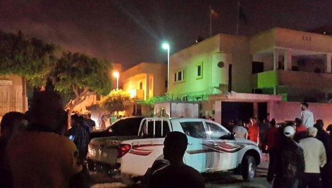 Imagen de la Embajada de España en Trípoli a las 00.30 horas del 21...