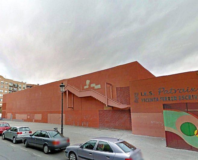 Fachada del IES de Patraix en la calle Fontanares de Valencia.